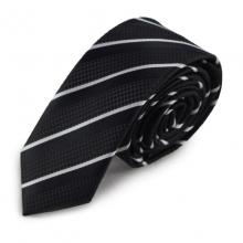 Černá úzká kravata s bílým pruhem
